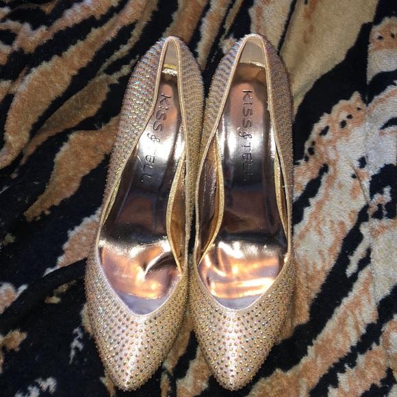 Shoes - Studded pumps